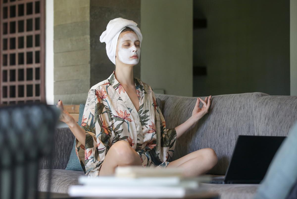 Panellists believed spas have an opportunity to leverage the up and coming trend of self-care and wellness in the home / Shutterstock/triocean