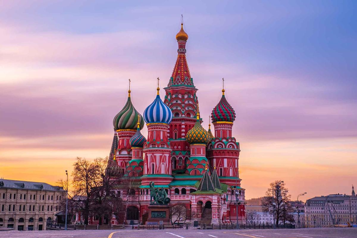 The building will offer breathtaking views of the historic Red Square and the Kremlin / Shutterstock/GolF2532