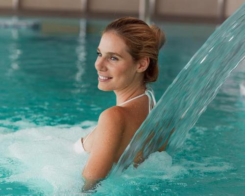 Immersion a type of hydrotherapy involving using hot and cold water on the skin, affecting the underlying tissue and entire physical system