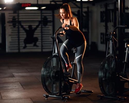A number of gyms across England reopened their doors at midnight, with hundreds of members flocking back to the gym floor in the small hours / Shutterstock.com/Drazen Zigic