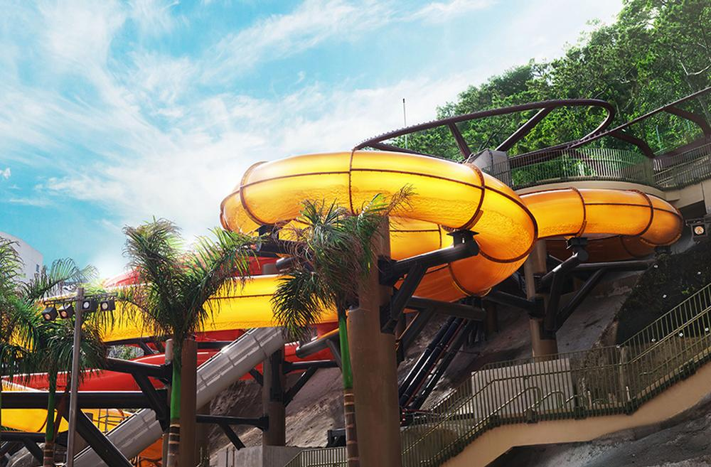 Experiences range from extreme 'white-knuckle' rides to family-focused areas / Ocean Park