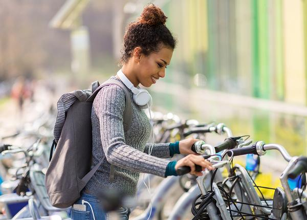 Connecting bike paths and walkways to key places of employment and education can increase activity / photo: shutterstock/pikselstock
