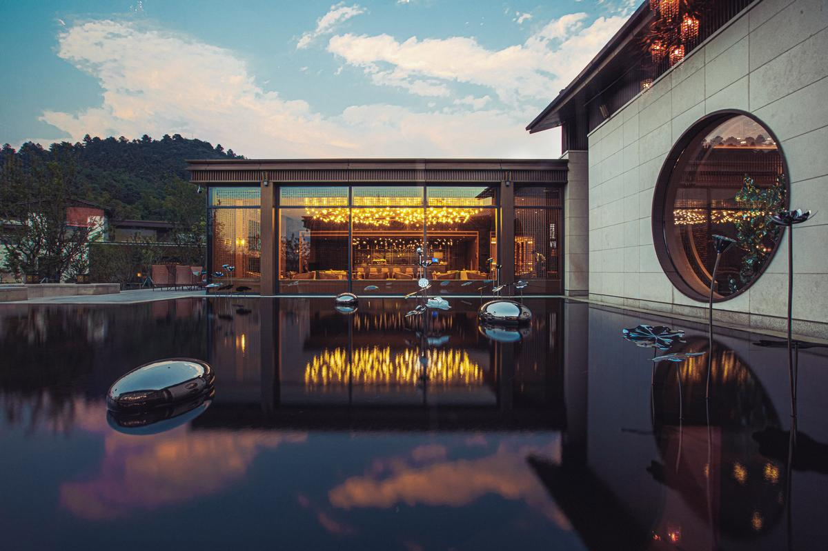 The resort offers a range of retreats that combine wellness with luxurious accommodation, fitness routines, nutritious meals and bathing / Dusit Thani Wellness Resort Suzhou