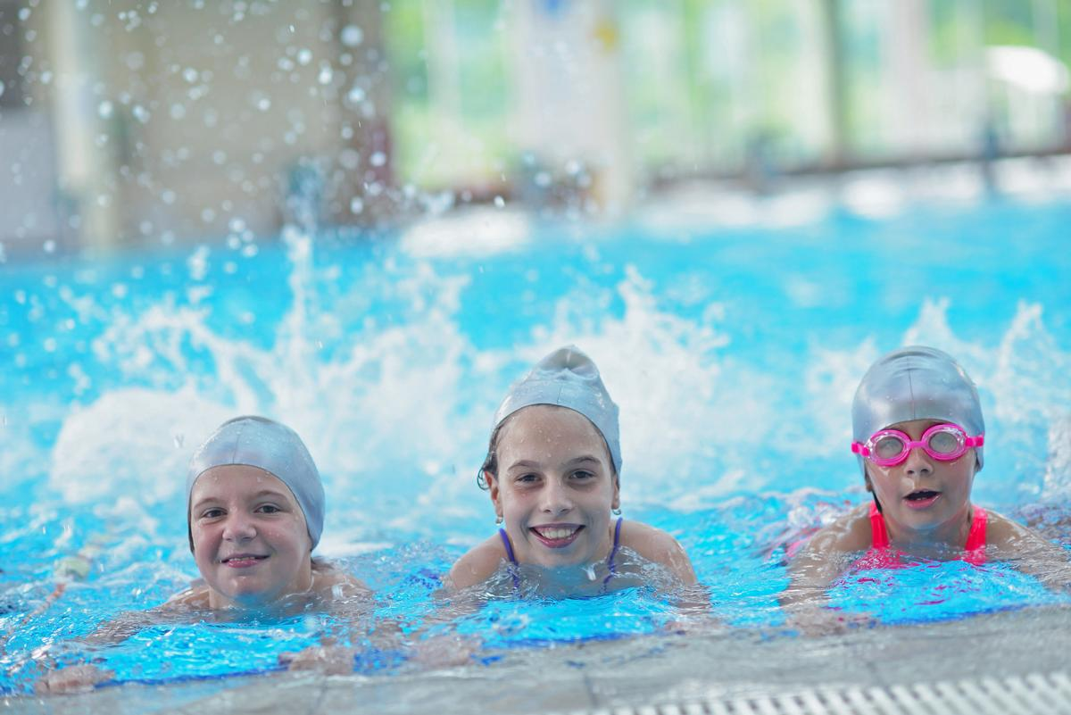 Access to school pools and sports facilities will be granted in the evenings, on weekends and during holidays / Shutterstock.com/ESB Professional