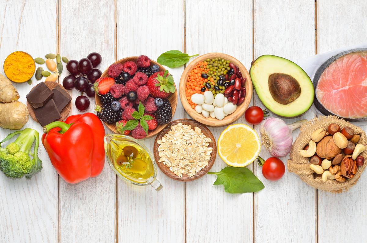 The new nutrition course offers an introduction to the digestive system and an insight into antioxidants and nutrients and their functions and effects / Shutterstock/Craevschii Family