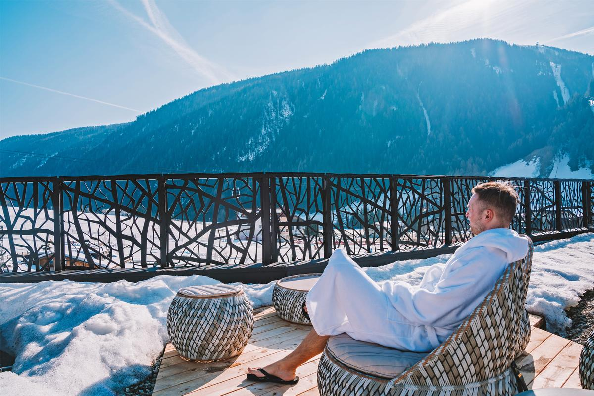 When it comes to the types of spas with the most growth potential, the report identifies the holistic offer of resort spas as the top performer / Shutterstock/Ingus Kruklitis