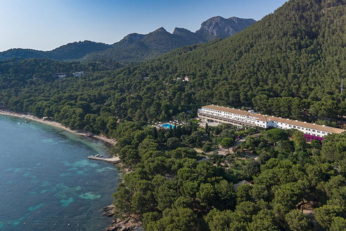 The existing location will be sensitively upgraded to become a Four Seasons-branded 110-room hotel complete with a luxury spa / Four Seasons Hotels and Resorts