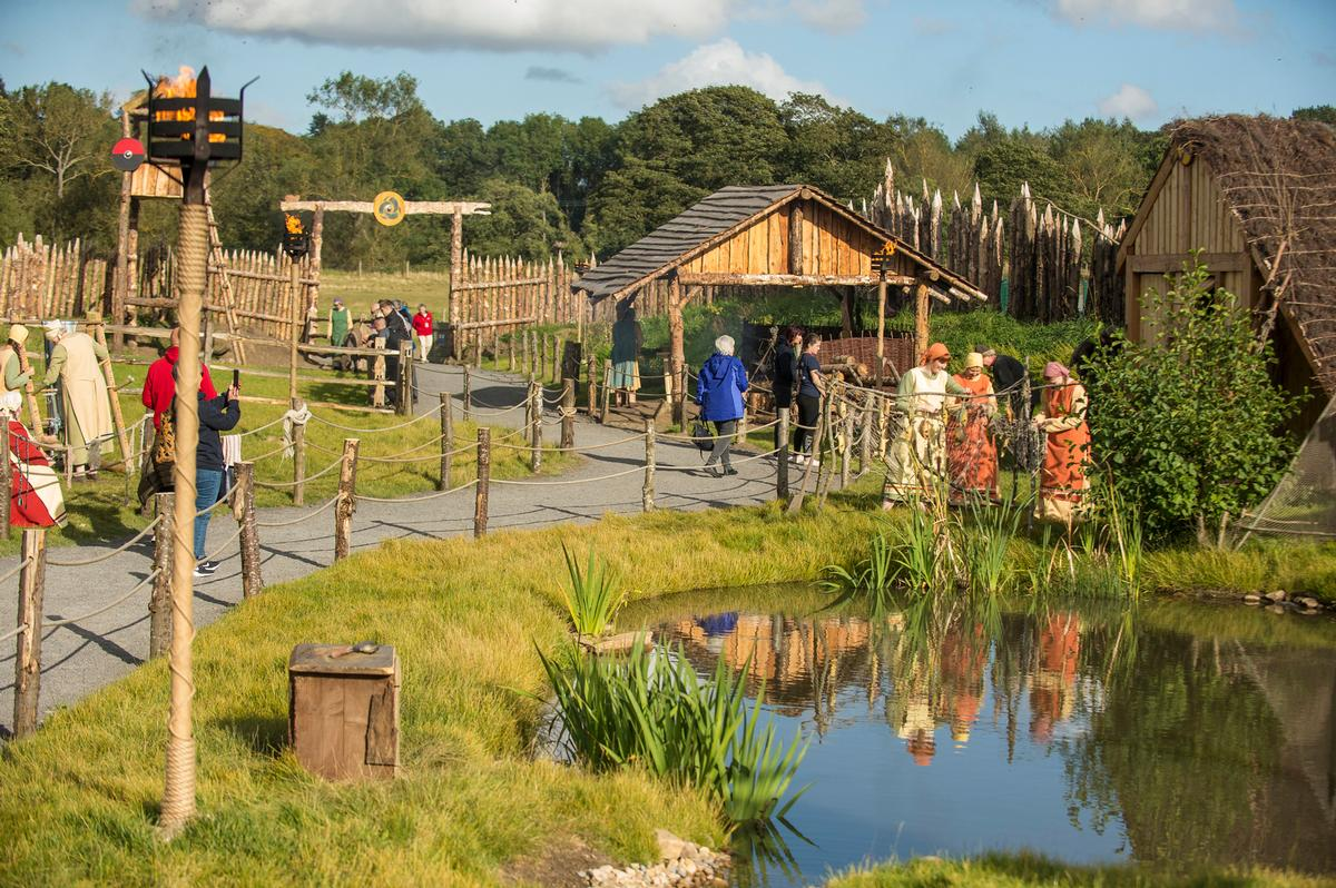 Guests can explore a Viking village and walk through The Maze of Fame / Kynren/11Arches