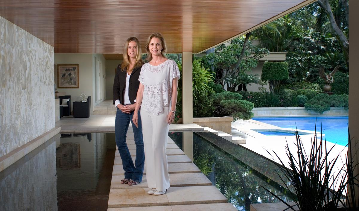 Diana Hool (L) and Diana Mestre (R) of Mestre & Mestre Spa & Wellness Consulting have recently unveiled the new book