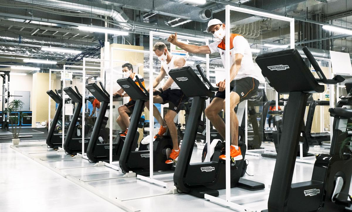 A total of 1,500 pieces of fitness equipment have been made available to the 15,000 Olympic and Paralympic athletes / Technogym