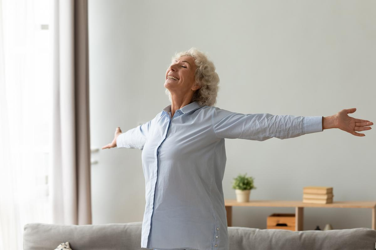 Auriens mission is to redefine later living by enriching the lives of residents with high-quality services focused on fostering exceptional health and wellbeing / Shutterstock/fizkes