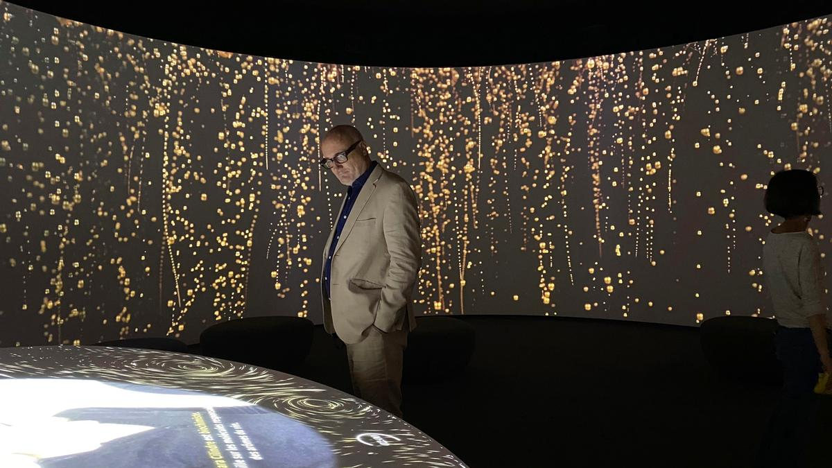 Pressoria includes a walk-in, wrap-around-cinema, celebrating 'bubbles' as a joyful expression of the essence of champagne / Casson Mann