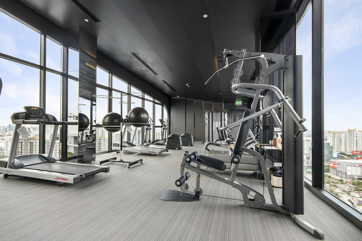Importing Gym equipment from the EU is now handled like any other international import on entering the UK / Image by 20135625from Pixabay