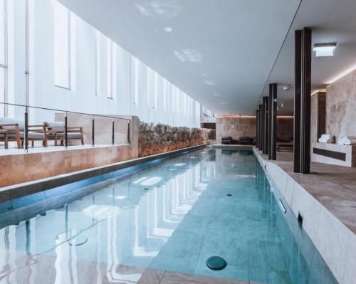 Phoenicia Malta unveils refreshing light-filled spa with suspended treatment rooms @PhoeniciaMalta @APvalletta #spa #upgrade #design #history #Valletta #Malta