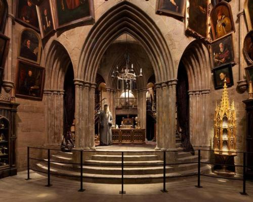 The Tokyo attraction will include replicas of the original sets used in the Harry Potter movies / Warner Bros