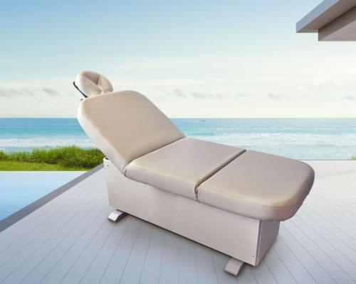 Lemi introduces Bellaria – a new treatment table designed for outdoor use