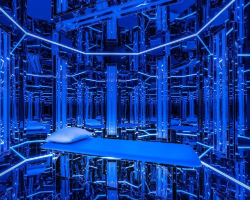Sessions consist of 20 minutes of deep relaxation, music and vibrations inside a futuristic octagon bathed in blue and UVB light
