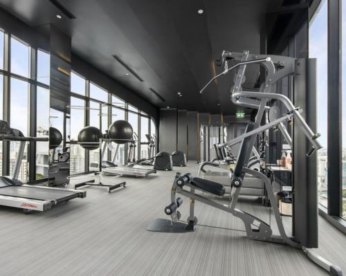 Shipping gym equipment from Europe to the UK