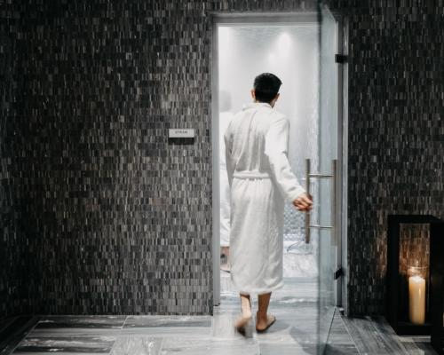 The spa has been realised to reinvent traditional spa culture and support the hotel's wider mission to enhance the wellbeing of all its guests