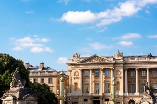 Hôtel de Crillon belongs to an architectural style that is among the finest examples of the French Neoclassical genre
