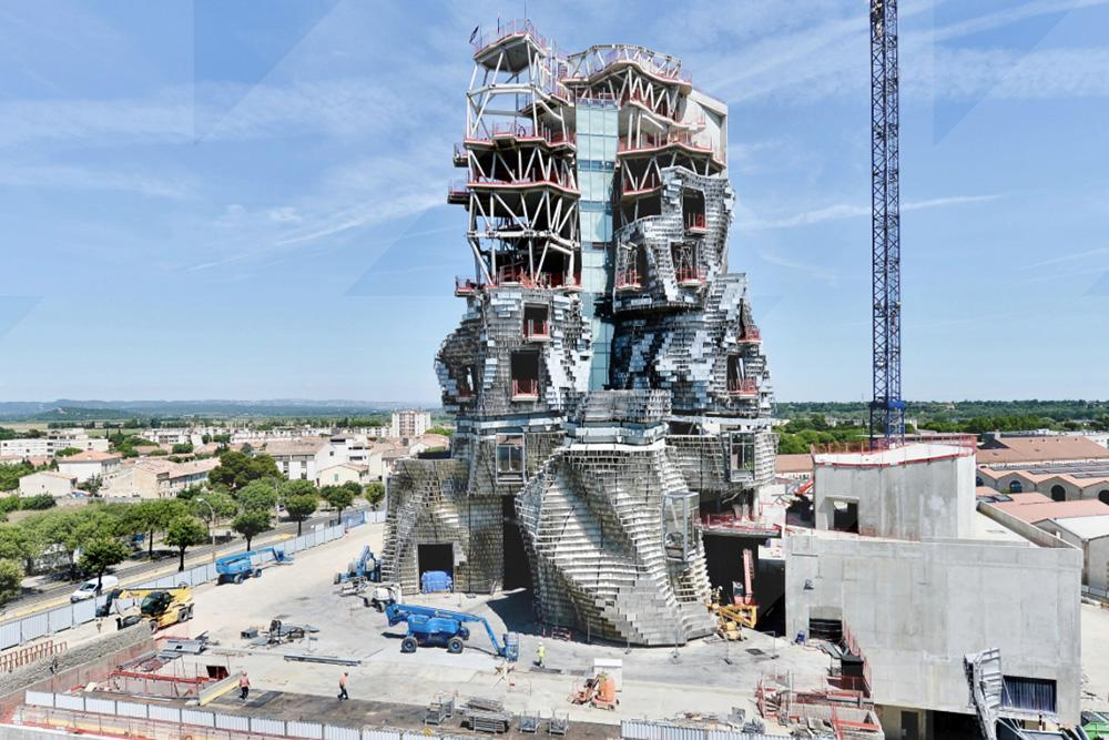 When complete, the tower will climb 56m (183.7ft) above Victor Hugo Avenue / Victor Picon