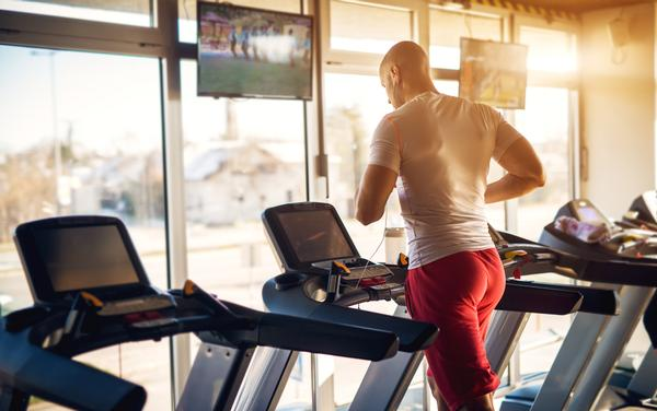 Some gyms are banning TV news because it is considered negative   / shutterstock
