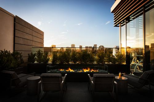 The club has views over the city / Equinox