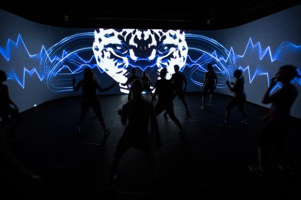 Les Mills' immersive technology: An experiential workout environment / photo: www.shutterstock.com
