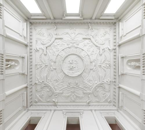 Before the fire, the mansion boasted a sculptural plaster ceiling by stuccadore Giuseppe Artari / Anthony Parkinson