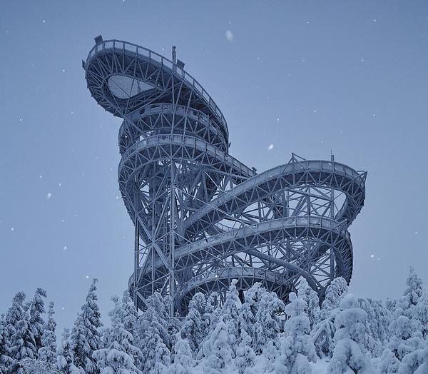 Adventurous visitors to the Sky Walk & Observation Deck can descend the structure via a 101m-long slide / Jakub Skokan, Martin Tuma/BoysPlayNice