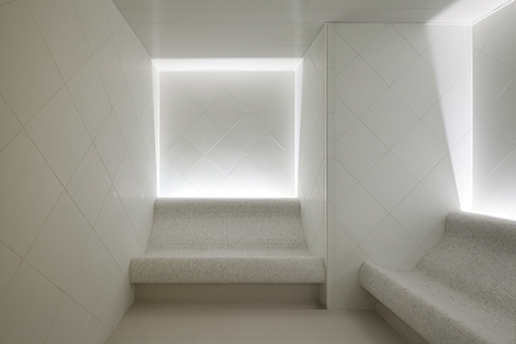 Lighting in evian spas will vary in brightness according to the natural cycle of the sun and time of day