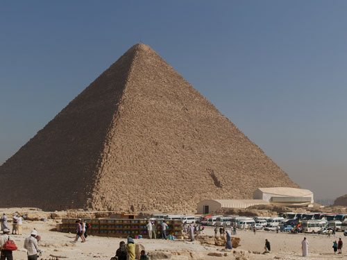 PM: Tourism 'crucial' to Egypt's recovery