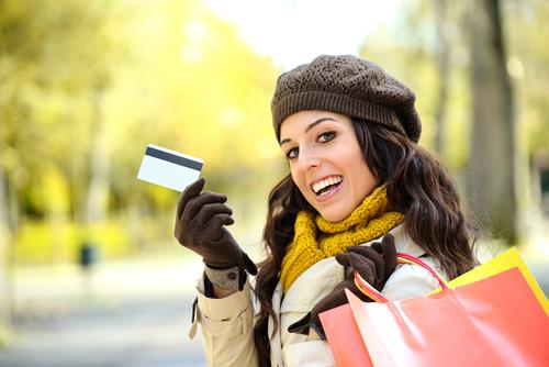 34 per cent of UK consumers cut back their spending on leisure and entertainment in 2014 / Shutterstock.com