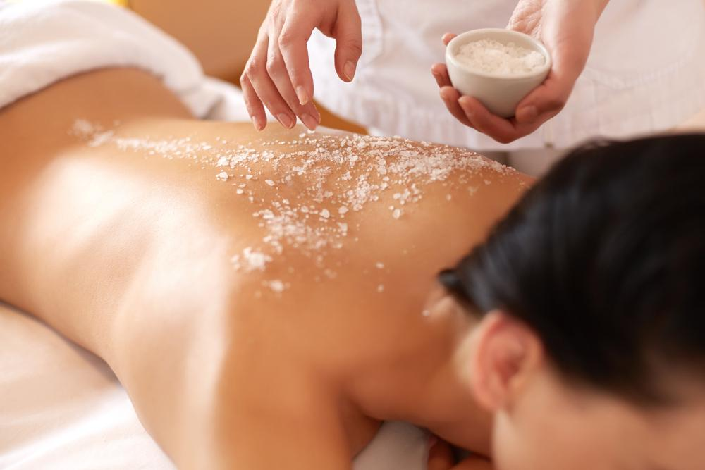 The Salt Wood Spa RX is a sea salt exfoliation that uses a custom, seasonally inspired, farm-to-table salt blend created daily by chefs at the resort's signature restaurant / Shutterstock/288266972