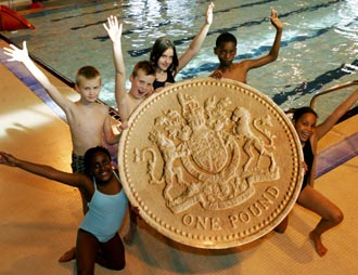 GLL launches free swimming lessons and £1 sessions
