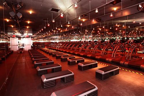 Heavyweight investor supports Barry's Bootcamp expansion