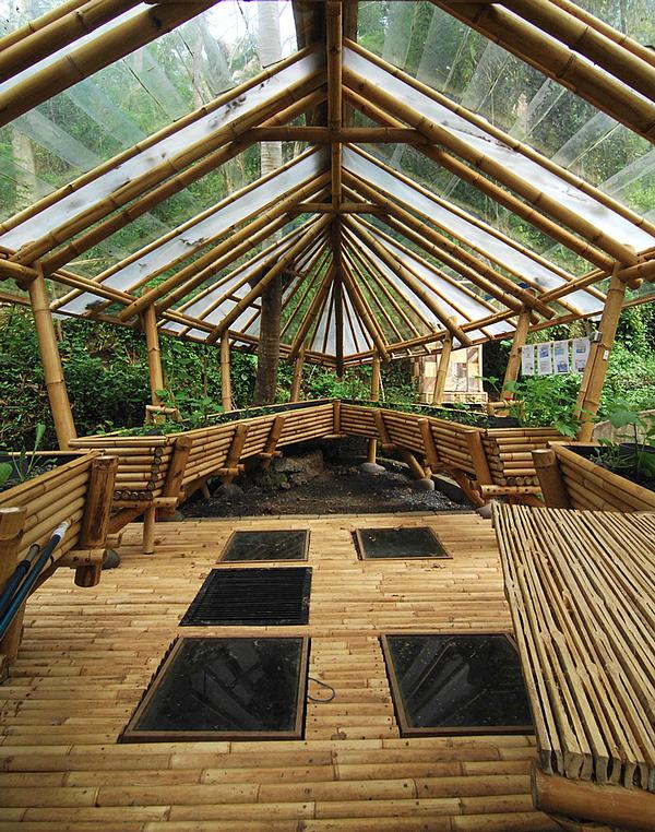 Many of the construction techniques and design principles used by  Ibuku today were developed  when building the Green School