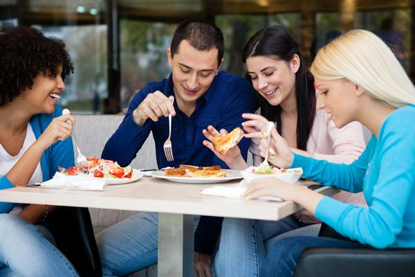In a study among US students, simple messages were most effective in prompting healthier lunch choices / photo: www.shutterstock.com/Lucky Business