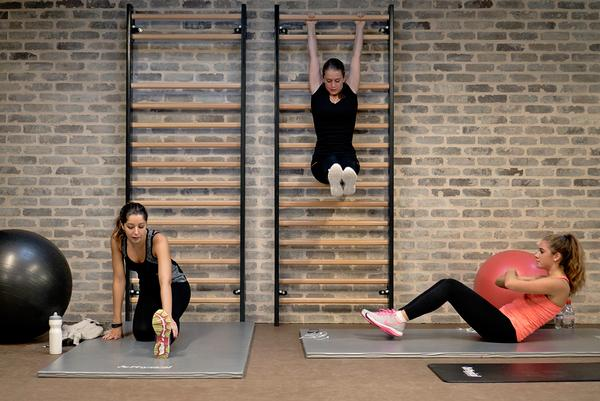 The fourth room at Evo Geneva is dedicated to bodyweight training