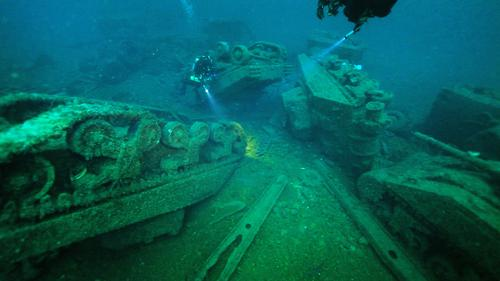 Heritage shipwrecks a potential 'environmental time bomb'