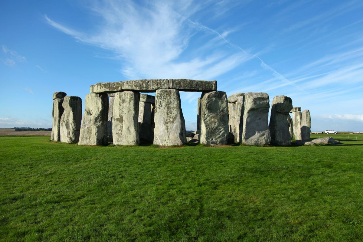 English Heritage will be split into two bodies in an effort to become self-sustaining