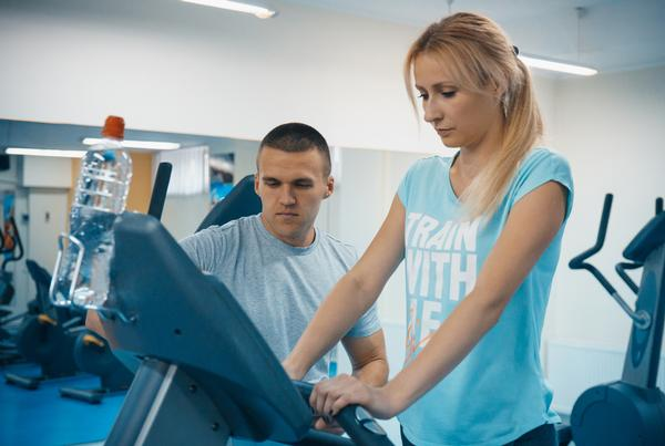 PTs provide the human interaction gym-goers desire / PHOTO:  SHUTTERSTOCK.COM