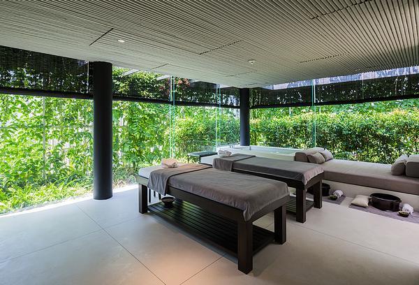 The Naman Retreat in Danang, Vietnam, features walls of vegetation