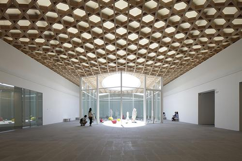 Design features take inspiration from the area's traditional bamboo crafts / Shigeru Ban Architects