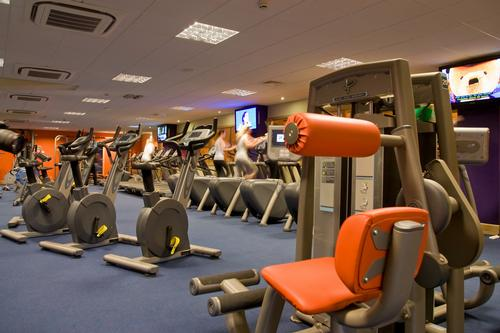 Operators can choose from a variety of different stations, such as treadmills, cross trainers, R bikes, steppers, U-Cycles and strength equipment
