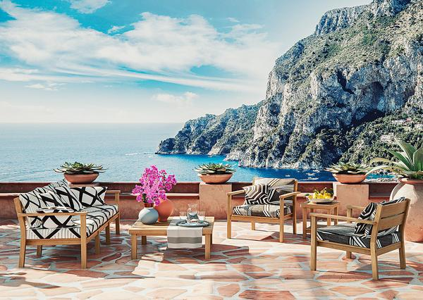 Capri is a range of indoor/outdoor furniture for the world of hospitality