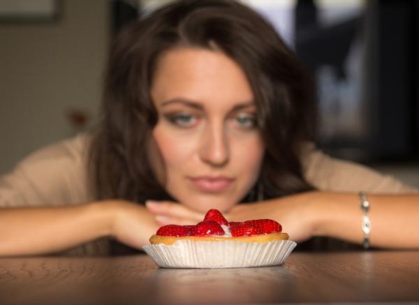 A healthy balanced diet goes far beyond choosing between fat and sugar / photo: www.shutterstock.com/PaulShlykov