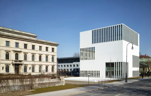 The museum sits on the site of the former Nazi Party headquarters / Jens Weber