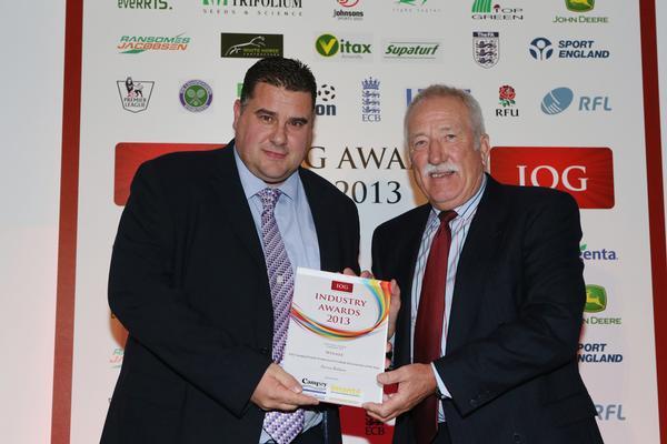 Darren Baldwin (left) receiving his award