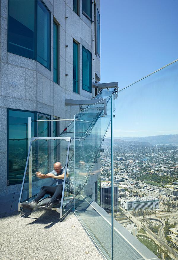 The OUE Skyspace LA provides 360-degree views of the city, as well as the glass slide. It opened in June 2016